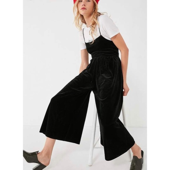 f369708c2e1 Urban Outfitters Black Velvet Emmabella Jumpsuit. M 5b01ee748df4706447fe5c81